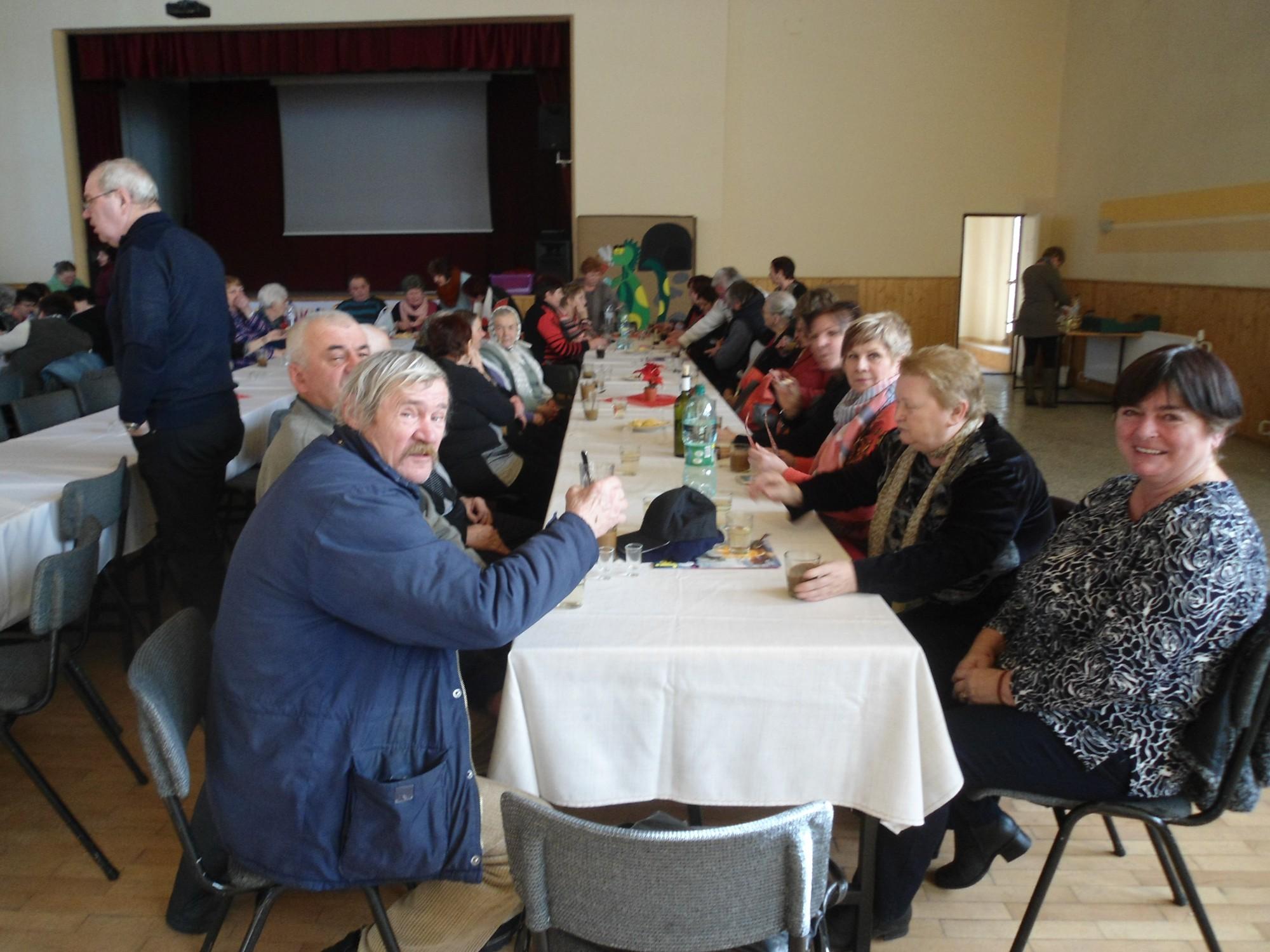 Zdravotne postihnutých seniorov datovania